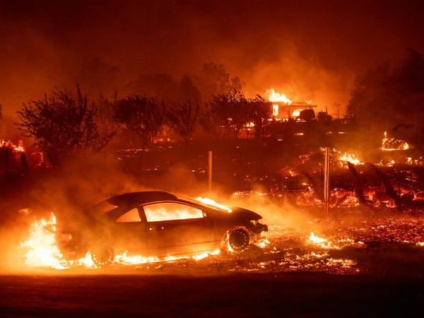 wildfires killed nine in california tens of thousands evacuated