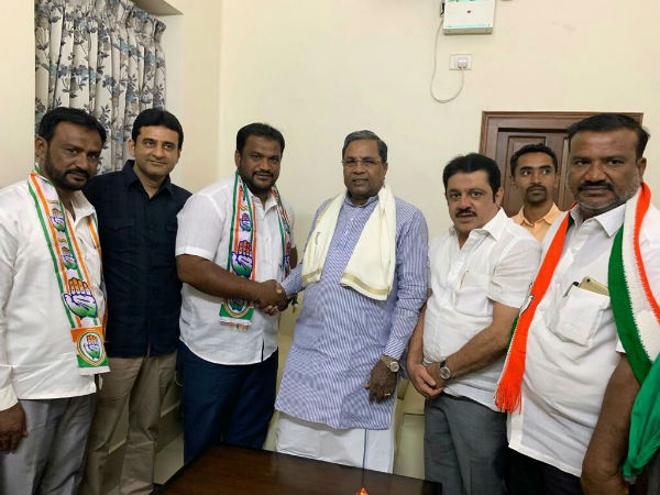 Mysuru independent corporator joins Congress