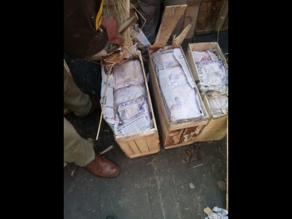 250 crore worth of heroin in Apple cartons, seized in Kashmir