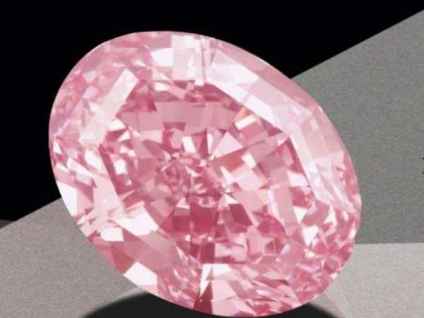 Pink diamond sells for more than $50 million in Geneva, setting world record