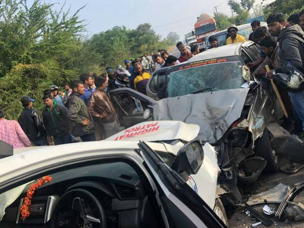 Pejawar Seer escort vehicle accident, two people dead
