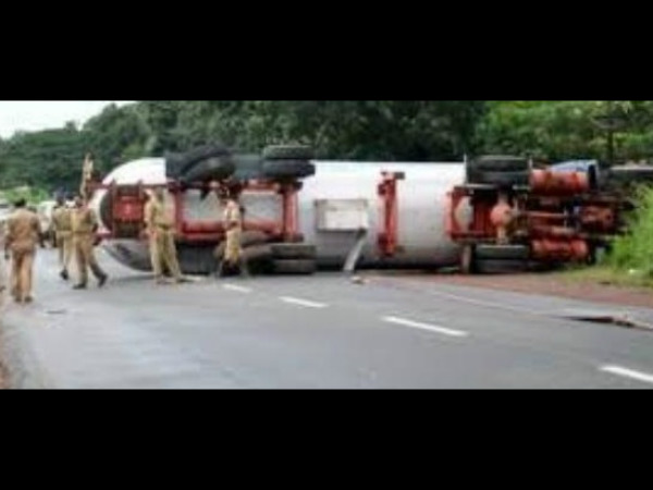 LPG tanker rolls over at Uppinangadi