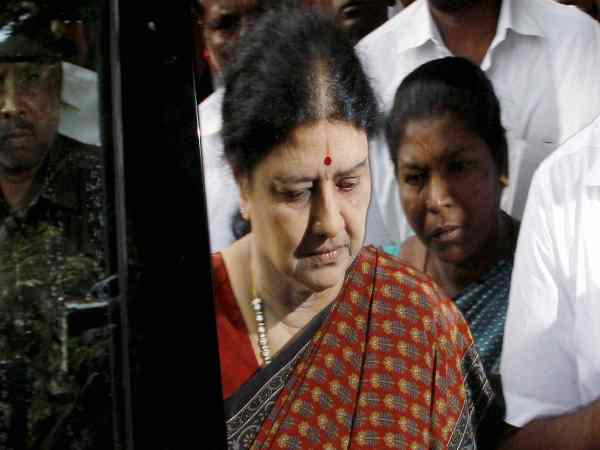 Panel probing Jayalalithaa's death to question VK Sasikala in Bengaluru jail