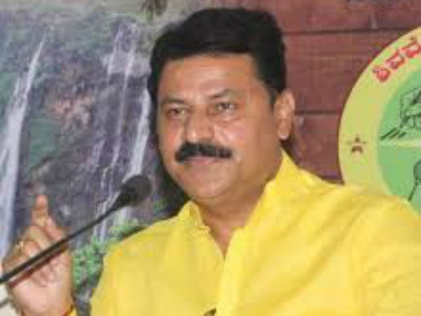 Belur Gopalakrishna Attacks On Yeddyurappa On Farmers Issue