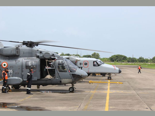 kochi naval navy personnel died helicopter hangar door falls accident