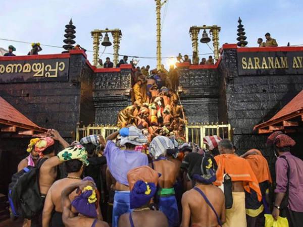 ಶಬರಿಮಲೆ ದೇವಾಲಯದಲ್ಲಿ ಭಾರೀ ಅಪಚಾರ: ಕ್ಷಮೆಯಾಚಿಸಿದ ಪೊಲೀಸ್