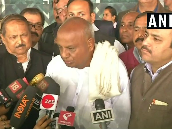 HD Deve Gowda participating in TMCs opposition rally