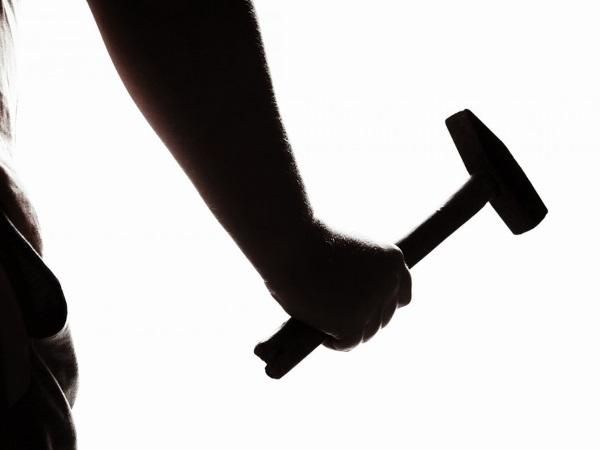 ಸುತ್ತಿಗೆಯಿಂದ ಹೊಡೆದು ಕಾಮುಕನಿಂದ ತಪ್ಪಿಸಿಕೊಂಡ ಮಹಿಳಾ ಟೆಕ್ಕಿ