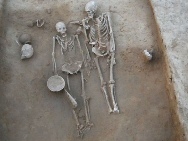 harappa grave ancient couple skeletons found