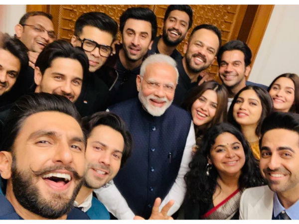 Narendra Modi and Bollywood young stars took selfie together