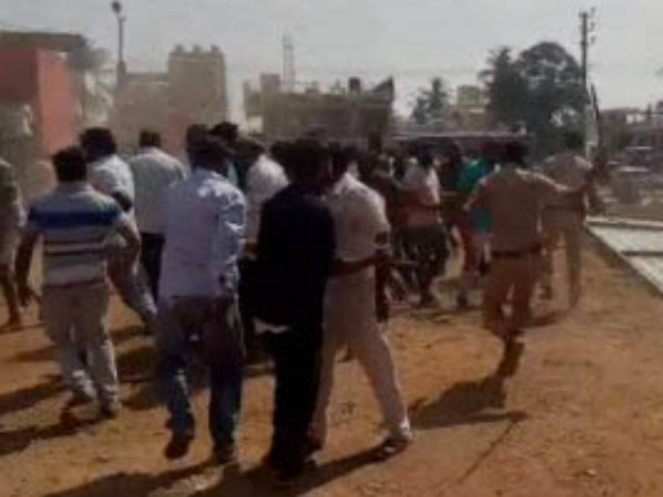 Idgh maidan issue : Clash between two groups in Ramanagara