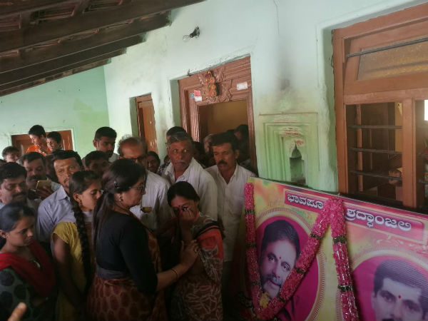 Sumalatha meets families of Ambareesh fans in Mandya