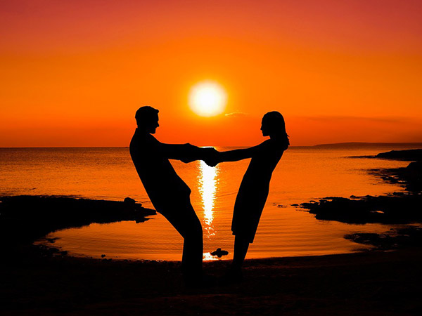Love Astrology Compatibility Between Zodiac Signs