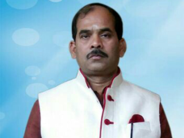 Minister CS Shivalli admitted to Hubli Kims Hospital