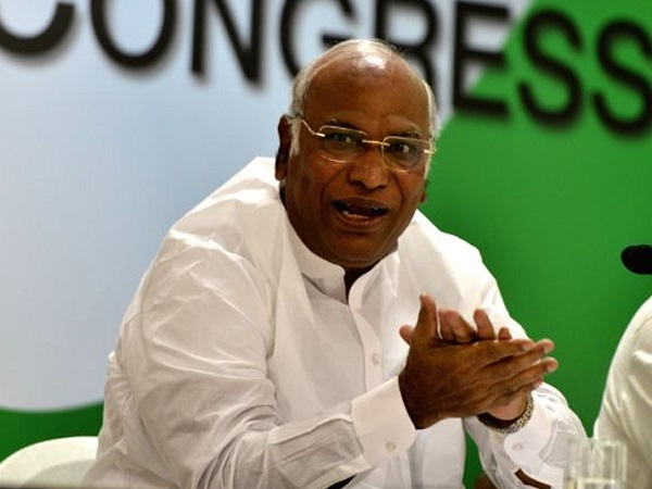 Govt may announce populist schemes in budget says Mallikarjun Kharge