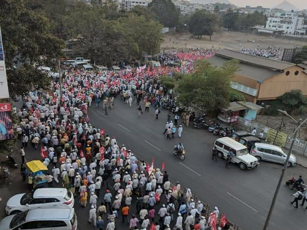 Maharashtra: Over 50,000 farmers begin march from Nashik to Mumbai