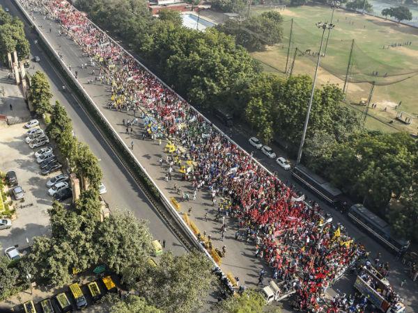 ಮುಂಬೈಯಲ್ಲಿ 50,000 ರೈತರಿಂದ ಬೃಹತ್ ಪ್ರತಿಭಟನೆ