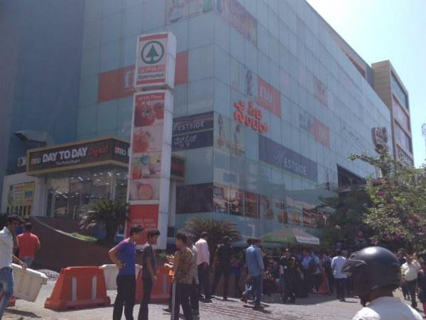 ಮಂಗಳೂರಿನ ಮಾಲ್ ನಲ್ಲಿ ಬೆಂಕಿ: ಕೆಲವೇ ನಿಮಿಷಗಳಲ್ಲಿ ನಂದಿಸುವ ಕಾರ್ಯ ಯಶಸ್ವಿ