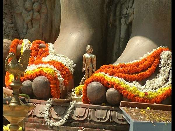 Jain religious special poojas offered to Lord Bahubali