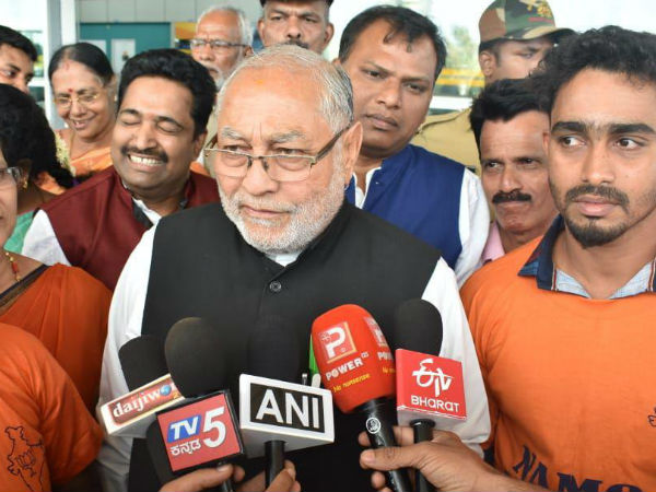 I did not support to Mamata Banerjee:Prahlad modi