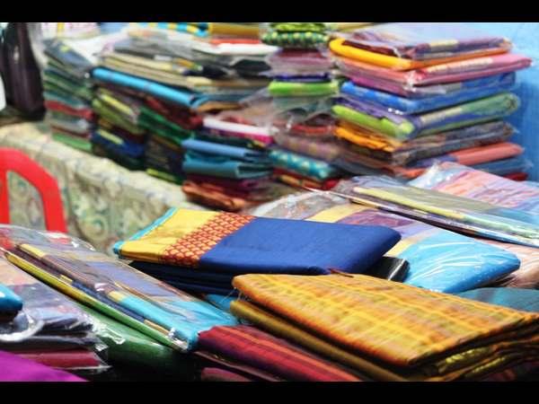 10 ರುಪಾಯಿಗೆ ಸೀರೆ ಮಾರಾಟ; ಹೈದರಾಬಾದ್ ಶಾಪಿಂಗ್ ಮಾಲ್ ನಲ್ಲಿ ಕಾಲ್ತುಳಿತ