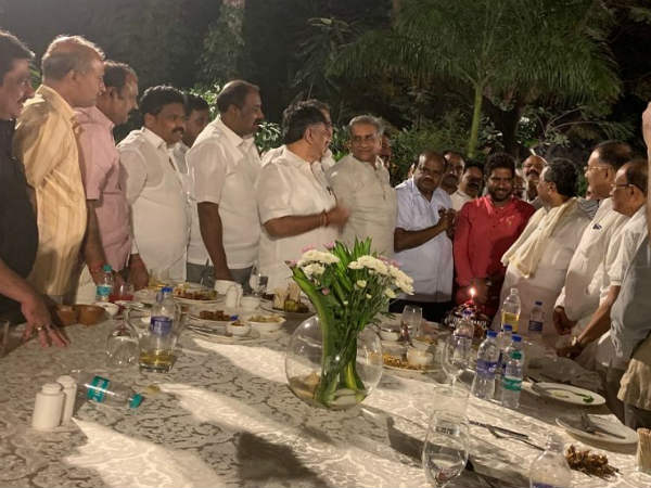 Siddaramaiah dinner meet for Congress and JDS MLAs
