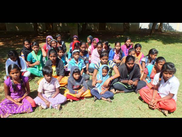 ಚಾಮರಾಜನಗರ ಬಾಲಮಂದಿರದ ಅವ್ಯವಸ್ಥೆ ವಿರುದ್ಧ ಬೀದಿಗಿಳಿದ ಮಕ್ಕಳು