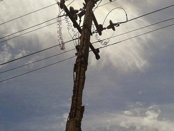 Boy electrocuted after accidentally touch high tension line