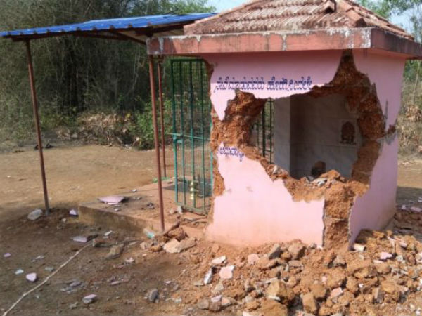 Thieves stole the kalasha of the temple in Sirsi