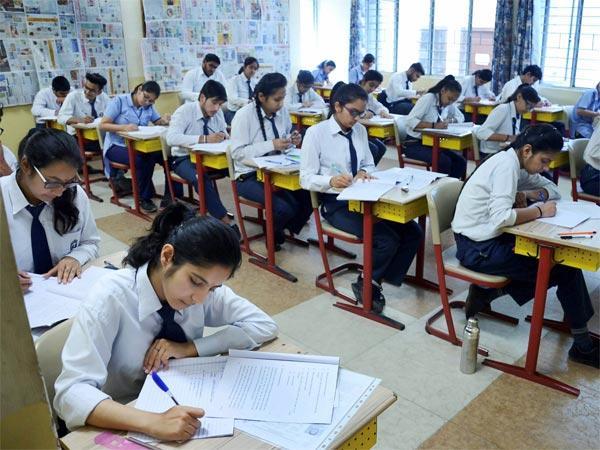 ಸಿಬಿಎಸ್ಇ ವಿದ್ಯಾರ್ಥಿಗಳಿಗೆ ಮುಂದಿನ ವರ್ಷದಿಂದ ಕ್ವಶ್ಚನ್ ಬ್ಯಾಂಕ್