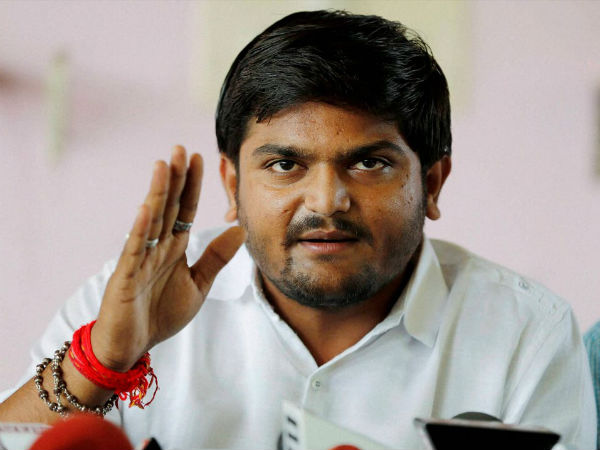 PAAs leader Hardik Patel met with an accident in Gujarat