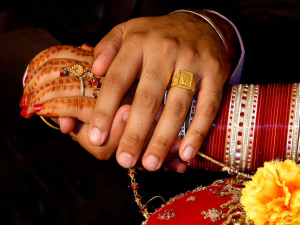 Bengaluru: 'Prospective bride, father con techie of Rs 18 lakh