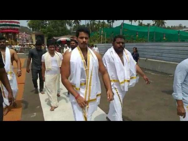 Nikhil Kumaraswamy today visited Dharmasthala