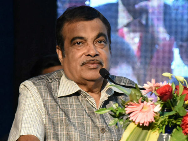 I am not in the prime minister race: Nithin Gadkari