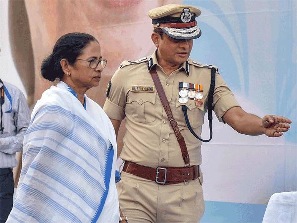 ಮಾಜಿ ಪೊಲೀಸ್ ಆಯುಕ್ತರ ವಿರುದ್ಧದ ಆರೋಪ ಗಂಭೀರ: ದೀದಿಗೆ ಮುಜುಗರ