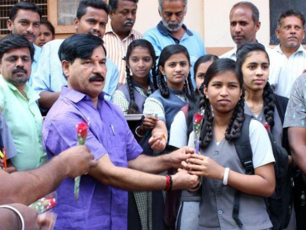 ಎಸ್ಸೆಸ್ಸೆಲ್ಸಿ ಪರೀಕ್ಷೆ: ಮೈಸೂರಿನಲ್ಲಿ ವಿದ್ಯಾರ್ಥಿಗಳಿಗೆ ಶುಭ ಕೋರಿದ ಶಾಸಕ ರಾಮದಾಸ್