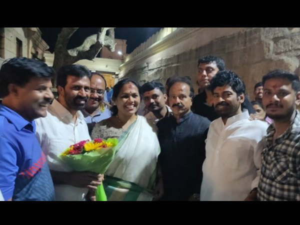Political leaders visited to Chamundi hills before filing the nomination