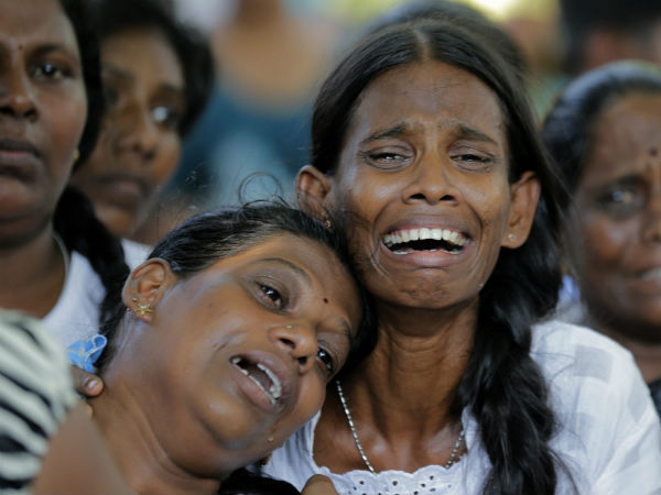 Sri Lanka bombings death toll rises to 359, police say totally 58 suspects arrested