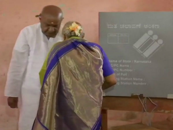 Deve Gowda and Chennamma Deve Gowda cast their vote in Hassan
