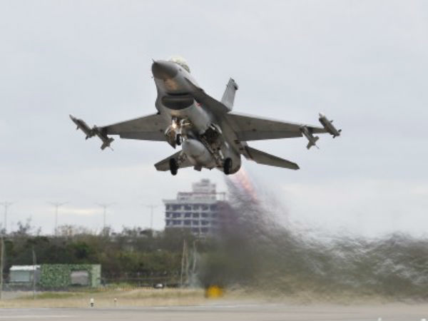 F 16 Jets Used Against India Pakistan Military Now Says It Was Self Defence