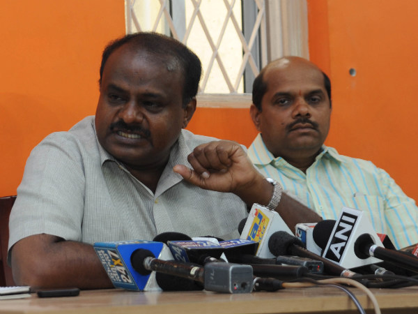 What is waxing, which is the word used by Kumaraswamy against Narendra Modi