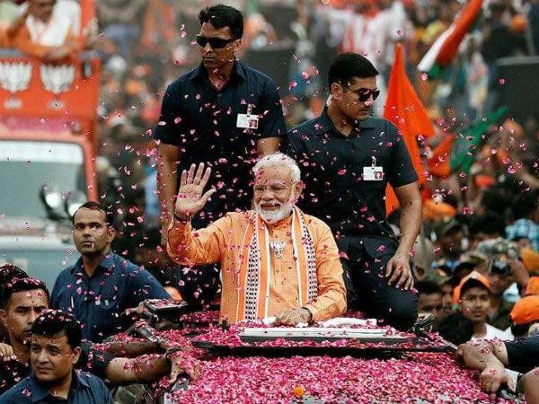ಮೋದಿ ಬೃಹತ್ 'ವಾರಣಾಸಿ ರೋಡ್ ಶೋ': ಕಾಂಗ್ರೆಸ್ ತೀವ್ರ ಅಪಸ್ವರ!