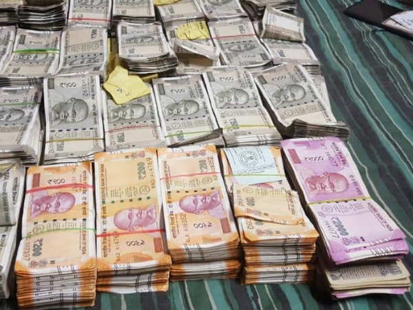 Income tax department seized Rs 4 crore cash