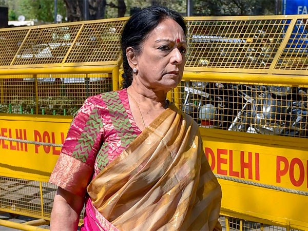 Black money case Supreme Court issues notice Congress leader P Chidambaram wife nalini, son karti