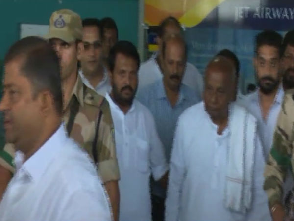 Deve Gowda along with wife visited Kapu Health resort
