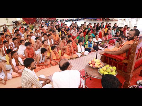 Kashi Mutt Seer briefed importance of water, mother, tree and earth