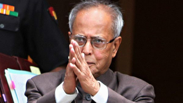 Pranab Mukherjee praises election commission