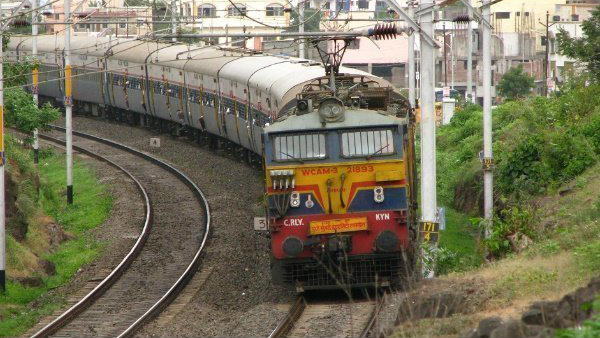 Southern Railway recruitment 2019 : Apply for 142 Junior Engineer post.
