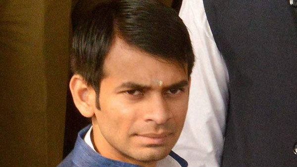 Tej Pratap Yadavs car meets with accident in Patna