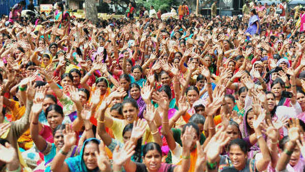 Protest by Anganwadi workers against state government